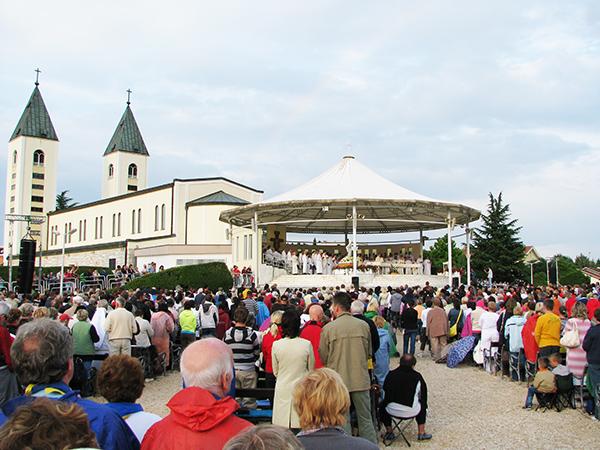 Holy Mass | Medjugorje Centre of Canada