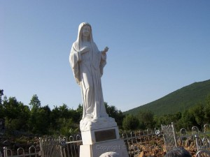 itinerary7 - Statue of Our Lady on Apparition Hill